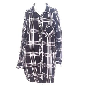 Forever 21 Black extra long flannel in Small